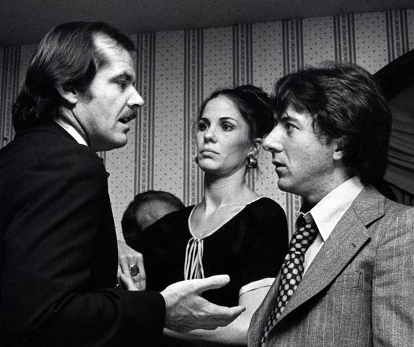 ¿Cuánto mide Jack Nicholson? - Real height - Página 2 Jack-nicholson-y-dustin-hoffman-national-academy-of-tv-arts-and-sciences-salute-to-bob-evans-30-de-octubre-de-1975